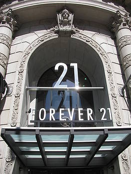 Alfred Ng - Forever 21