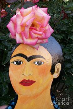 Frida with rose in hair by Viva La Vida Galeria Gloria