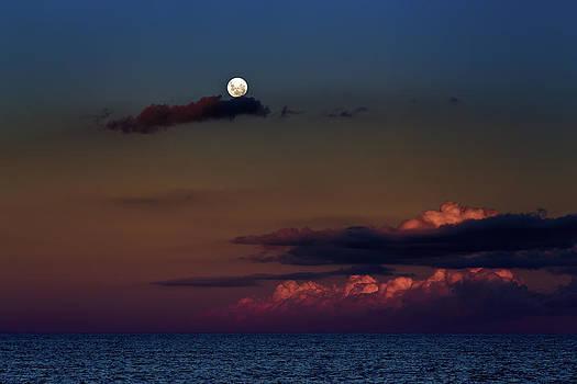 Full Moon on Sunset by Alfredo Rougouski