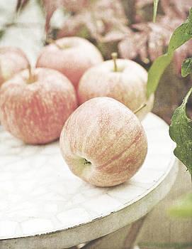 Garden apples by Lars Hallstrom