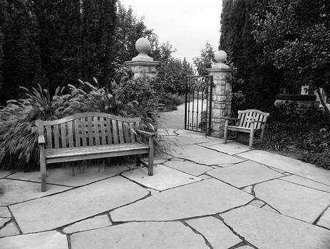 Garden Setting by Cheryl Hoyle