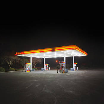 Daniel Furon - Gas Station