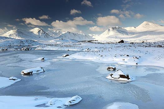 Glencoe winter scenery by Grant Glendinning