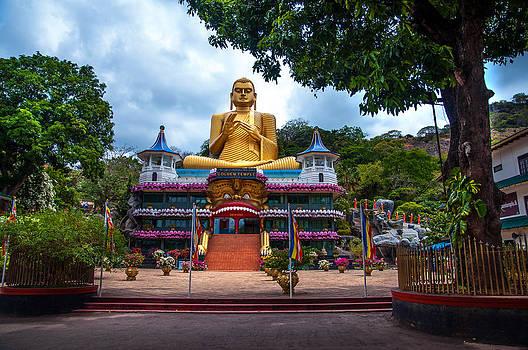 Jenny Rainbow - Golden Temple in Dambulla 2. Sri Lanka
