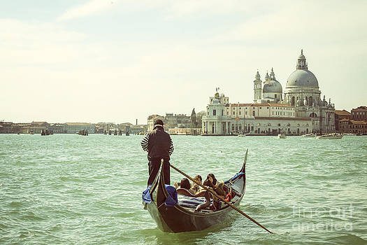 Patricia Hofmeester - Gondolier with tourists in Venice