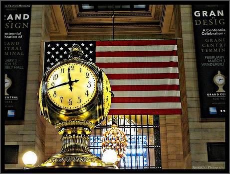 Grand Central Station Clock by Jessica Cirz