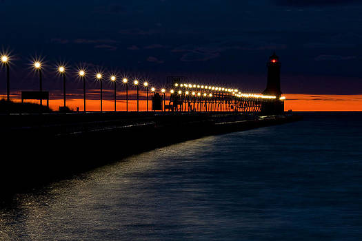 Grand Haven Lighthouse by Lisa Chorny