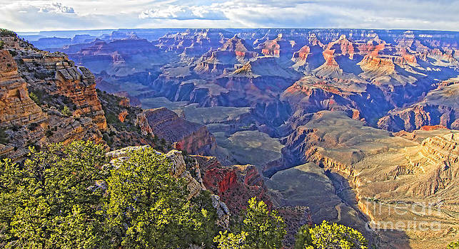 Grand View Canyon by Jason Abando