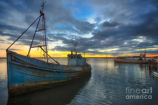 English Landscapes - Guiding Light Wreck Sunset