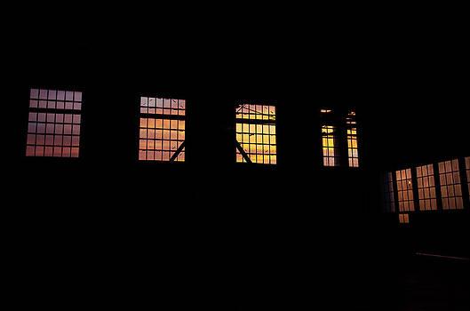 Marilyn Wilson - Hangar Sunset