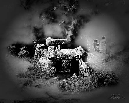 Diana Haronis - Haunted Burial Chamber in Mist