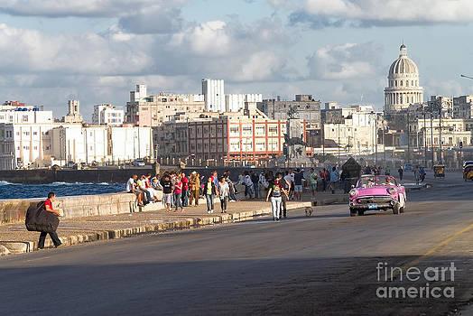 Havanna - Malecon by Juergen Klust
