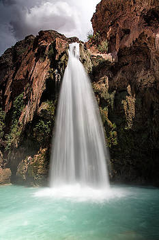 Havasu Falls by Larry Pollock