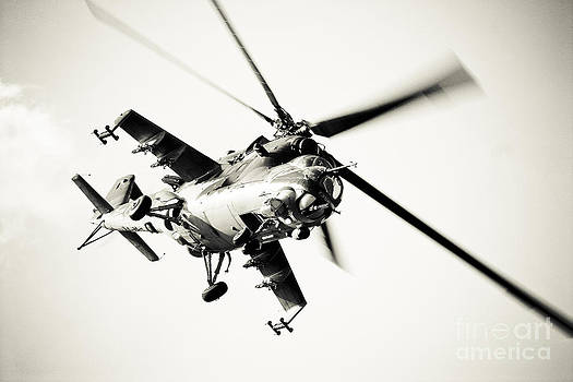 Heli 2 by Alan Oliver