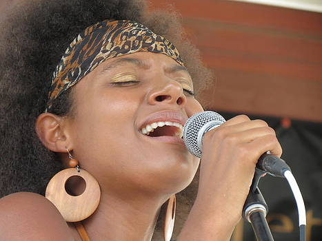 Feva  Fotos - Her Soul Sings