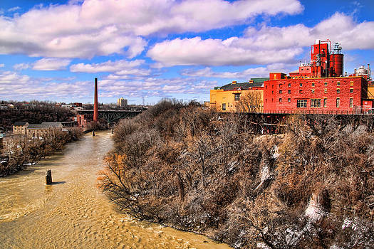 High Falls area from the Pont de Rennes Bridge by Gerald Salamone