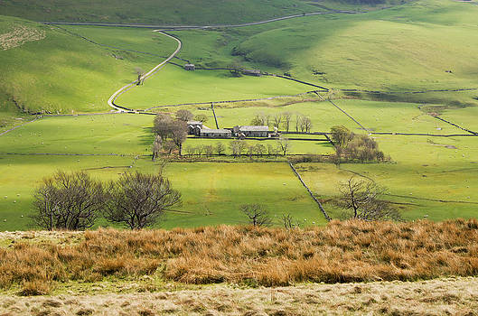 Hill Farm in the Peak district by Pete Hemington
