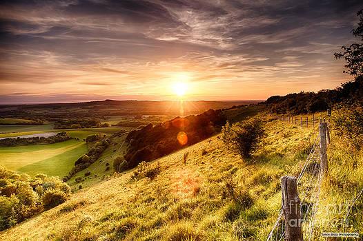 Simon Bratt Photography LRPS - Hill fence sunset