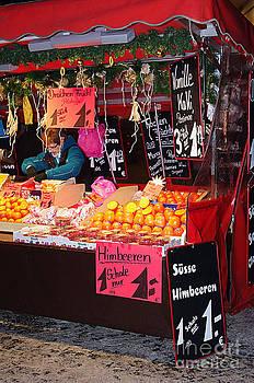 Himbeeren auf dem Markt by Giuseppe Ridino