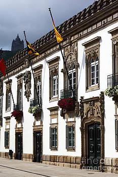 James Brunker - Historic Viana do Castelo