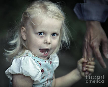 Hold on  by Michel Verhoef