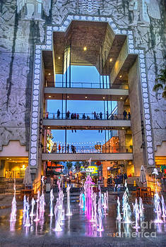 David Zanzinger - Hollywood Highland Center Water Display Courtyard