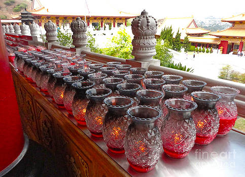 Gregory Dyer - Hsi Lai Temple - Candles - 01