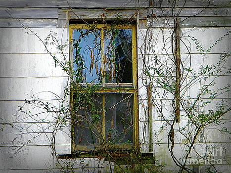 I Hear Ghosts by Lorraine Heath
