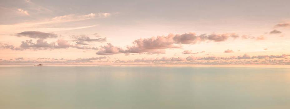 Indian Ocean Wake Up by Jens Tischer