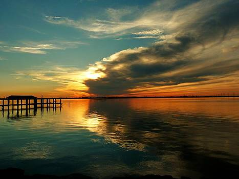 Indian River Sunset by Elaine Franklin