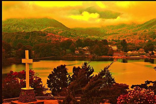 Inspiration Point, L.Junaluska by Dennis Baswell