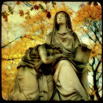 Gothicolors Donna Snyder - Invasion Of Autumn