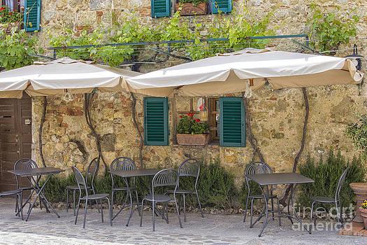 Patricia Hofmeester - Italian terrace in the summer