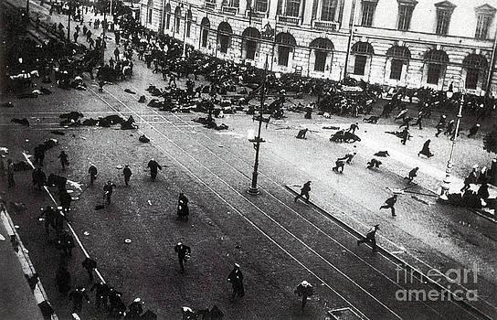 Photo Researchers - July Days Bolsheviks Clash
