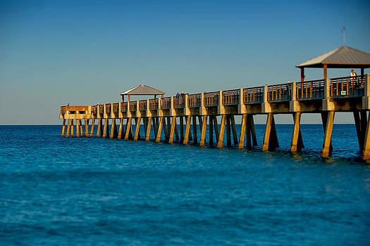 Juno Pier by James Pennie
