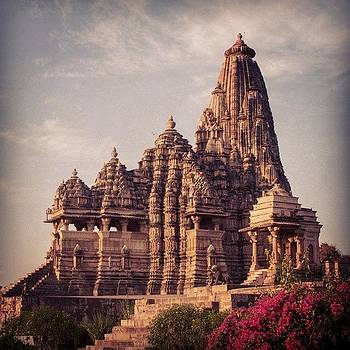 Kandariya Mahadeva Temple by Hitendra SINKAR