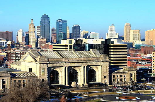 Kansas City's Union Station by Patricio Lazen