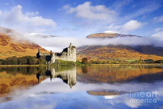 Kilchurn Castle Scotland by Derek Croucher