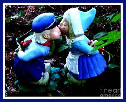 Gail Matthews - Kiss in the Garden