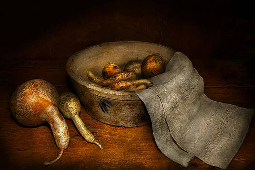 Mike Savad - Kitchen - Vegetable - A still life with gourds