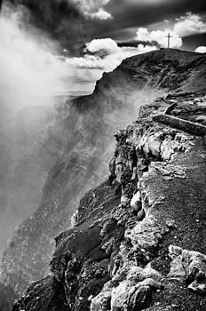 La Boca del Diablo by William Shevchuk