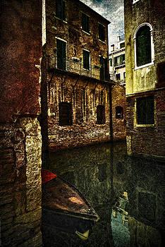 Labyrinth Of Venice by Vjekoslav Antic