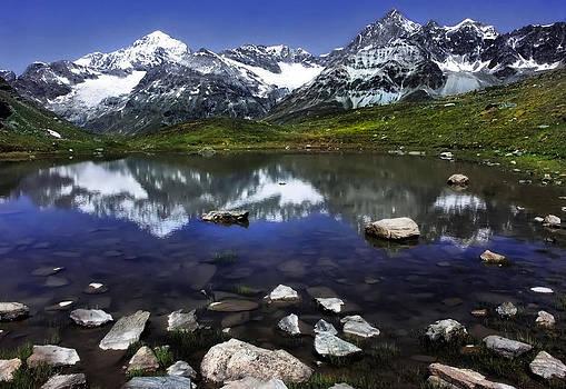 Lake by Annie  Snel