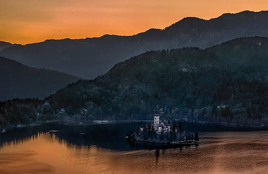 Lake Bled and church Marijina Uznesenja on the island  by Juan Carlos Ferro Duque