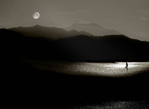 Lake Chatuge Moon Sail by William Schmid