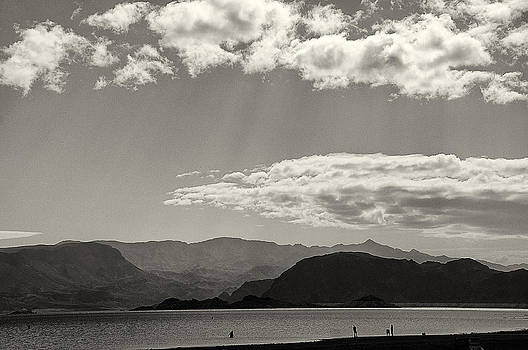 Lake Mead Nevada April 2012 by Joseph Duba