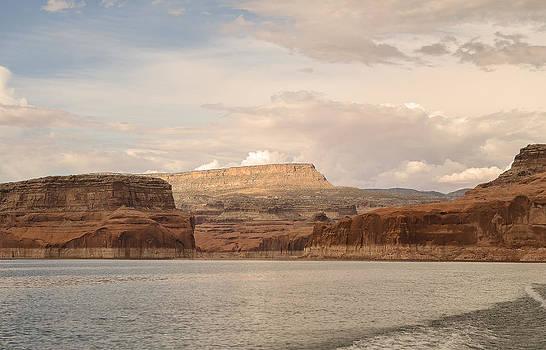 Lake Powell by Carl Nielsen