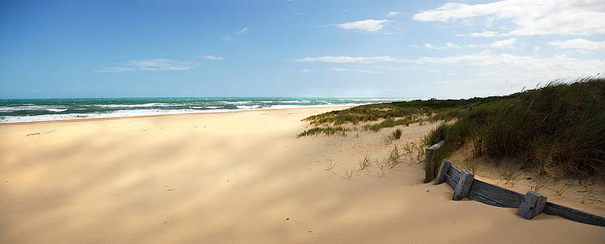 Lakes Entrance Nintey Mile Beach by Glen Johnson