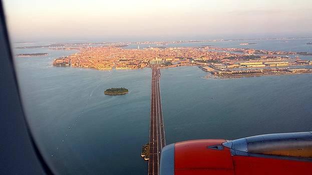 Landing at VCE Airport by Alberto Pala