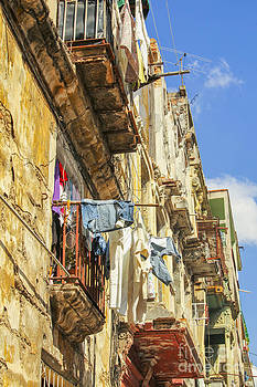 Patricia Hofmeester - Laundry drying in Havana